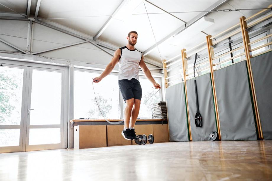 Как похудеть с помощью скакалки? Выбор инвентаря, список эффективных упражнений
