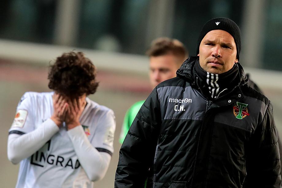 Сергей Игнашевич (справа) — главный тренер московского «Торпедо»
