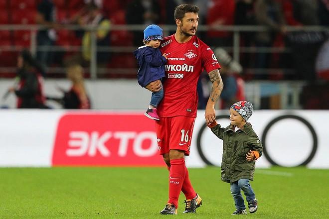 Защитник «Спартака» Боккетти сыграл с«Рубином» вформе снеправильной эмблемой