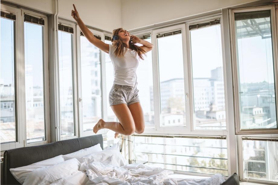 Как компенсировать норму шагов в самоизоляции? Игры, домашние дела, ходьба по леснице