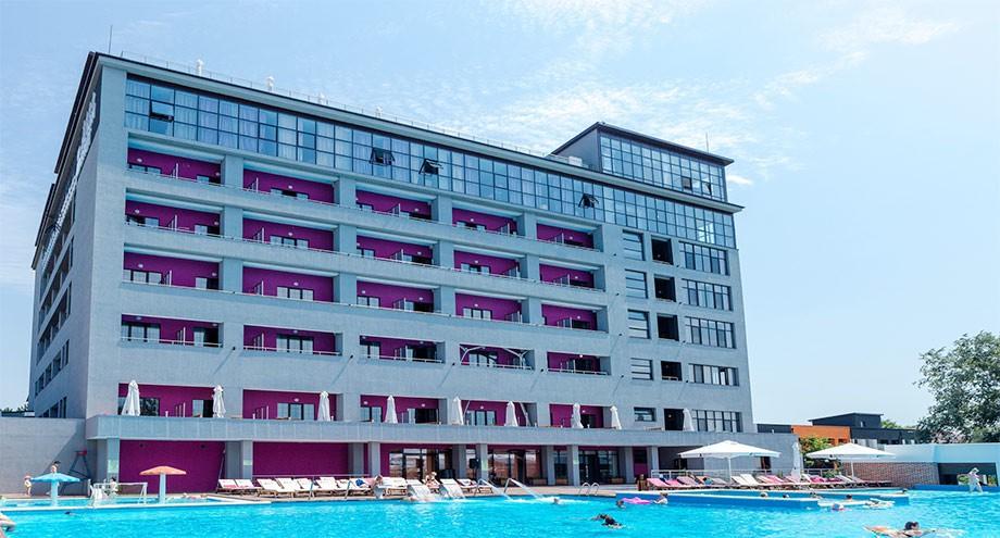 Дания – Анапа. Beton Brut Resort