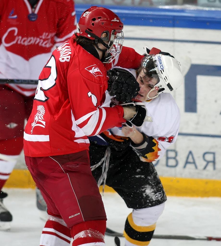 История скандала с «Северсталью» и хоккеистом Дмитрием Громовым, что стало с игроком