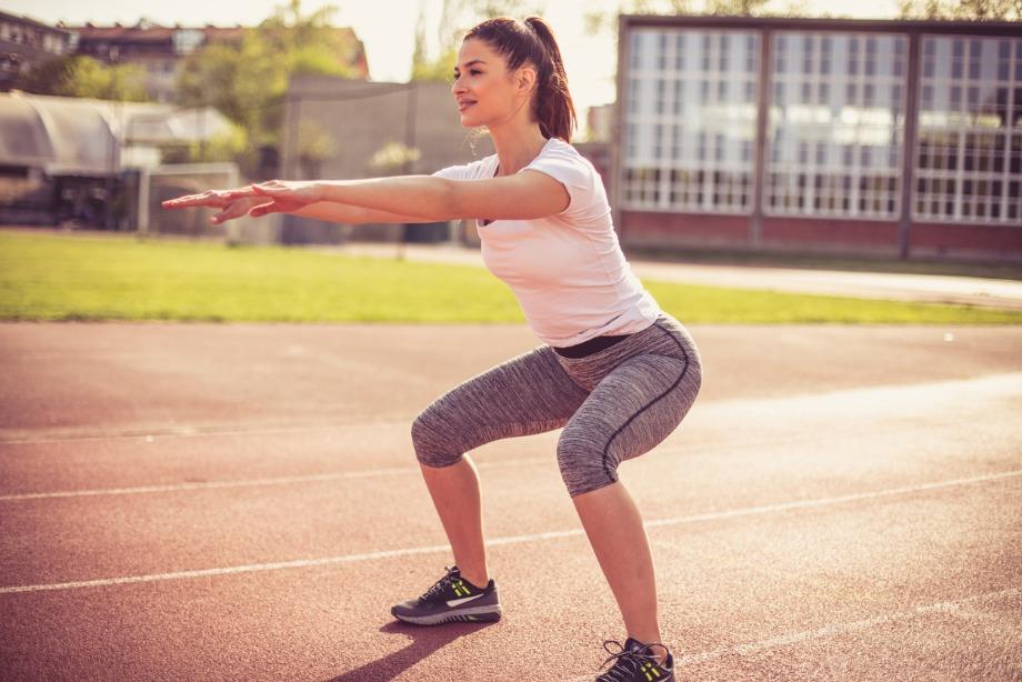 6 упражнений, которые не помогут похудеть, и чем их заменить
