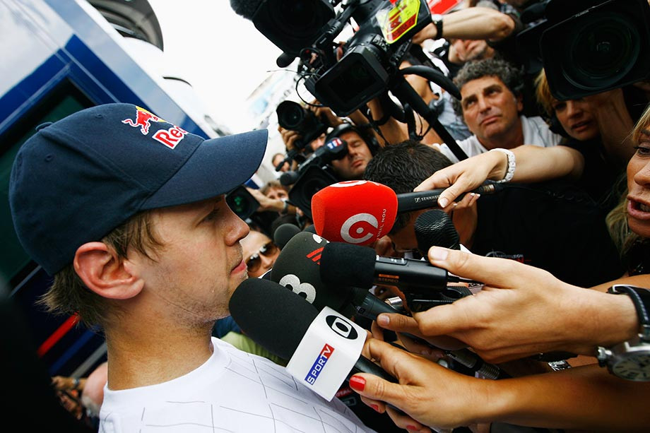 Гран-при Турции-2010: столкновение пилотов «Ред Булл» Феттеля и Уэббера