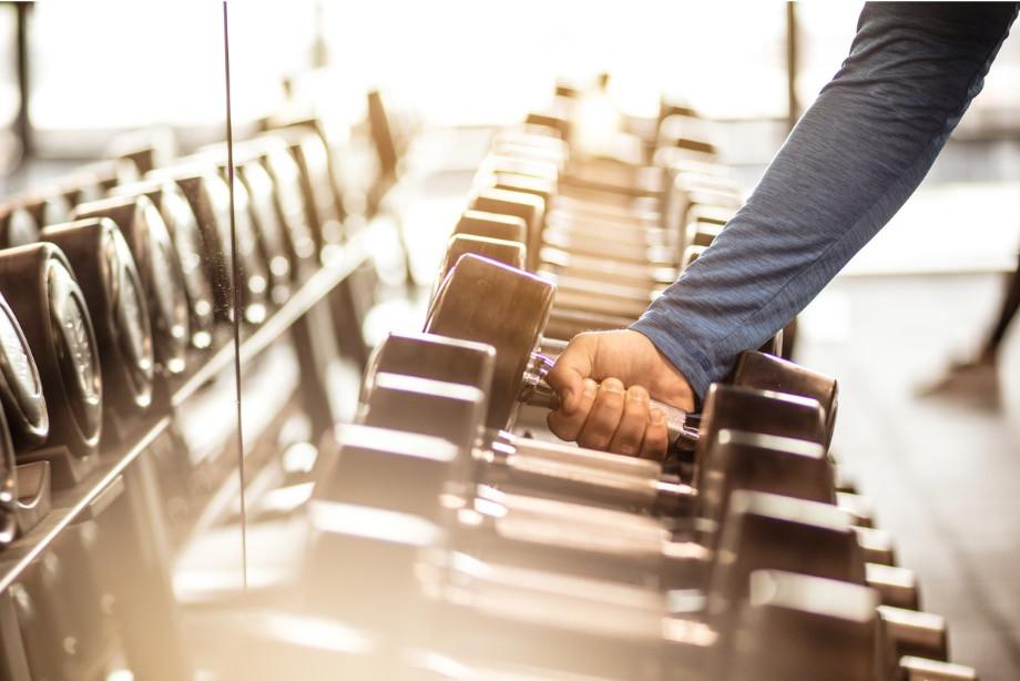 Как избежать травм в тренажёрке? Упражнения, которые лучше не делать в зале. Опыт тренера