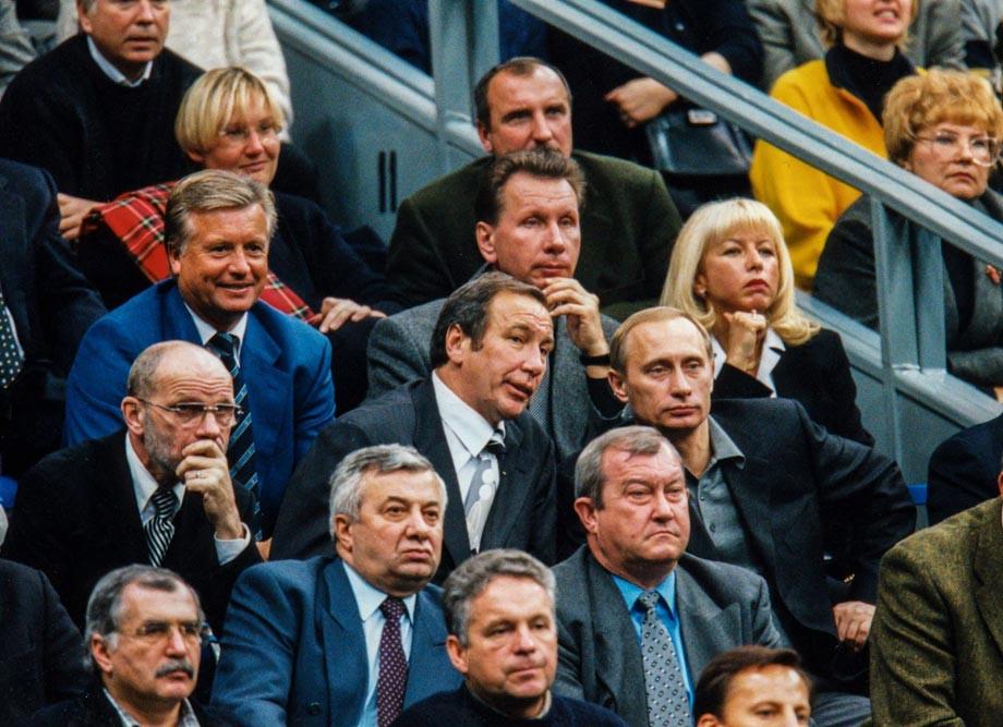 «Стадион заполнен до отказа. Все пришли посмотреть на «холодную войну» в теннисном матче»