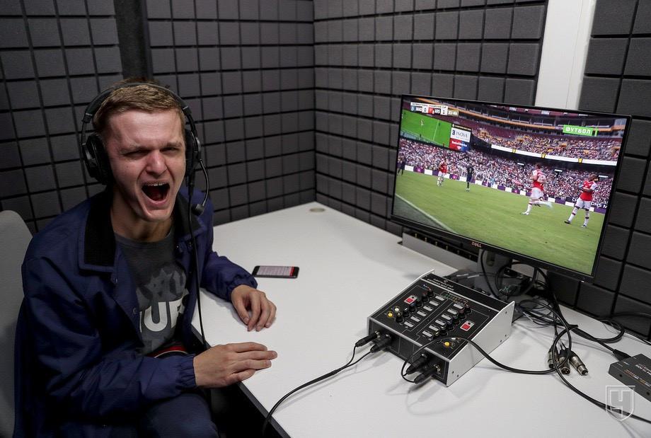 Корреспондент «Чемпионата» Максим Ерёмин тестирует свои голосовые связки