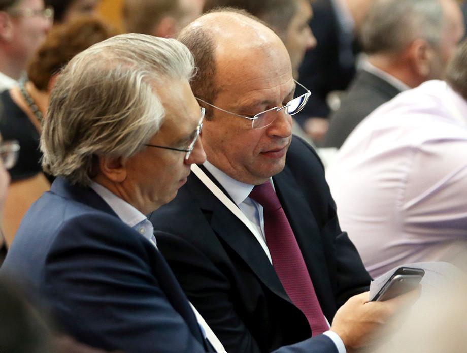 Бардак — не только РФС или власть. Бардак в России — это мы