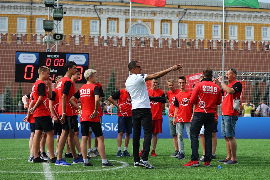 Ж. Силва: Бразилия вылетела слишком рано, а российская сборная удивила всех