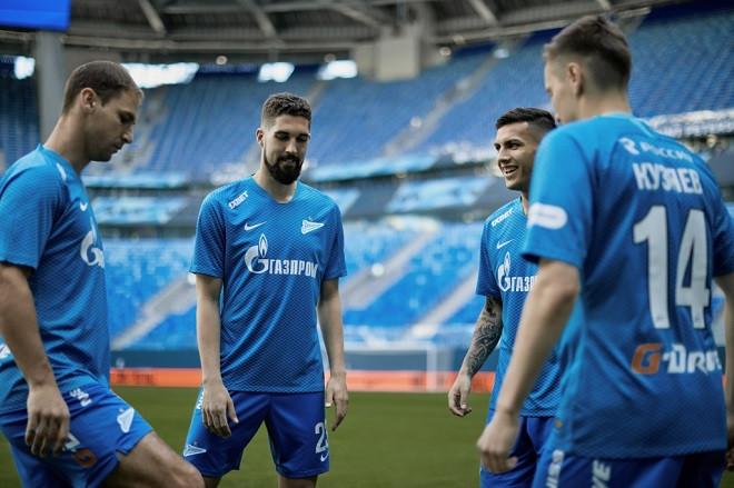 «Зенит» представил домашнюю игровую форму на сезон-2018/19