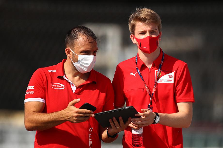 Формула-2: Шумахер борется за титул, Цунода и Мазепин — за Суперлицензию, Шварцман — за себя