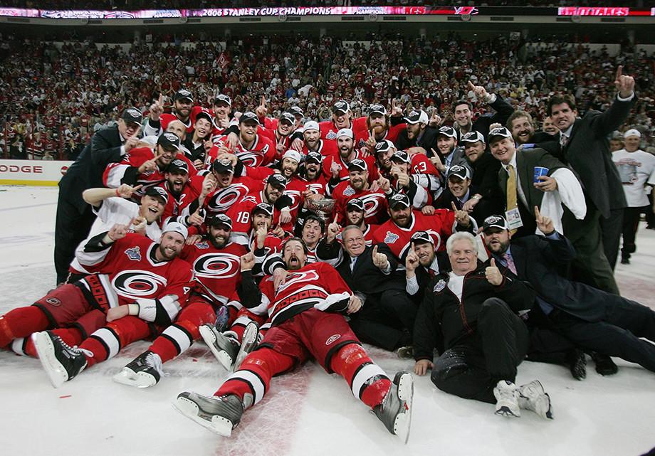 Как «Каролина» выиграла Кубок Стэнли в 2006 году