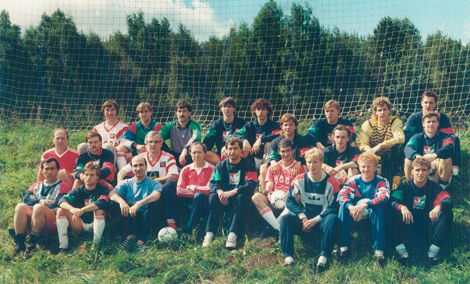 Олимпийская сборная СССР. Колыванов — третий справа в верхнем ряду