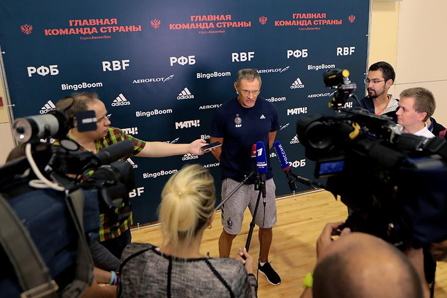 Пресс-конференция главного тренера сборной России Сергея Базаревича