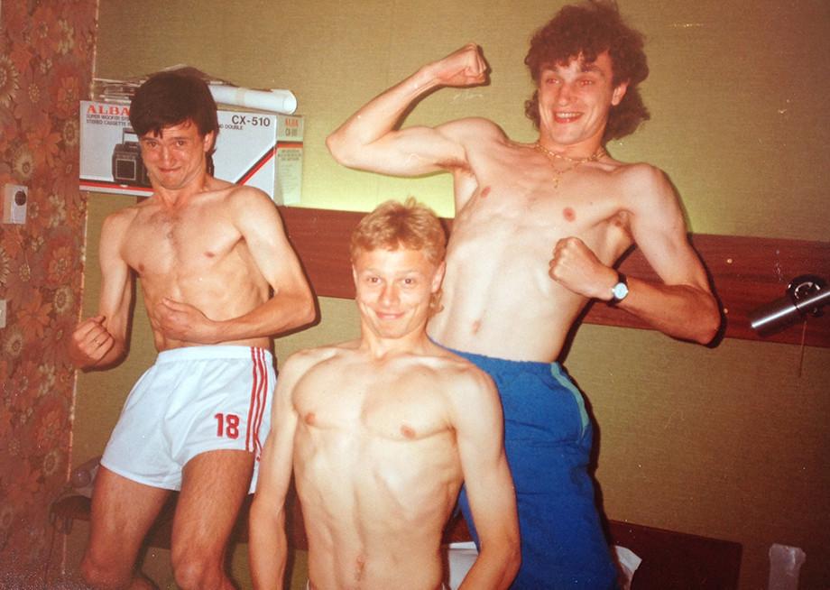 Как жили футболисты в СССР, фотографии из дома Романцева, Черчесова, Садырина