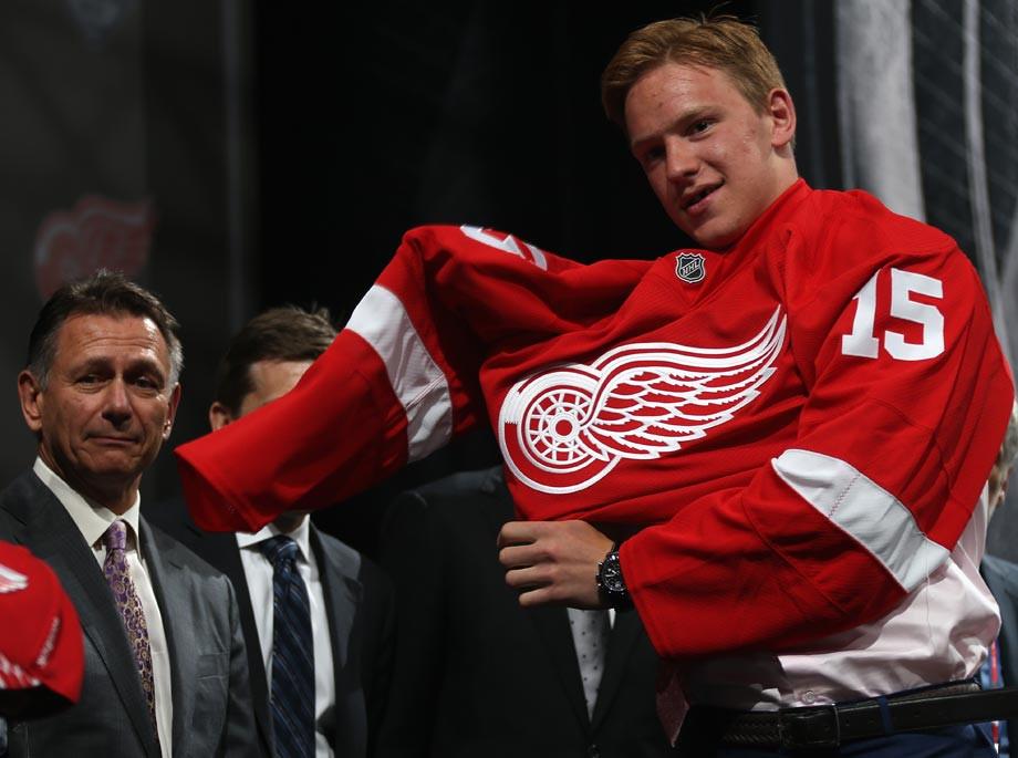 Евгений Свечников был выбран «Детройтом» в первом раунде драфта