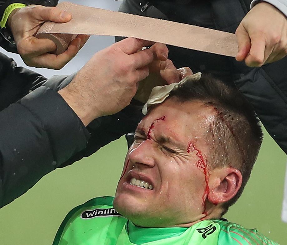Ребров пожертвовал здоровьем ради победы над «Локо». Лучшие фото 16-го тура