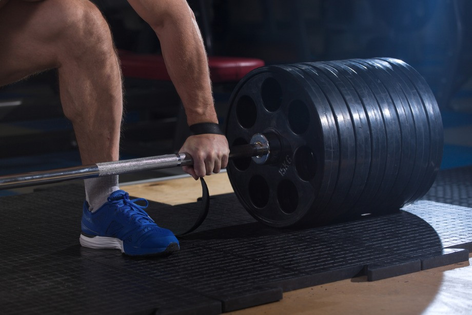 С каким весом начинать тренироваться? Как постепенно увеличивать вес отягощения? Мнение тренера