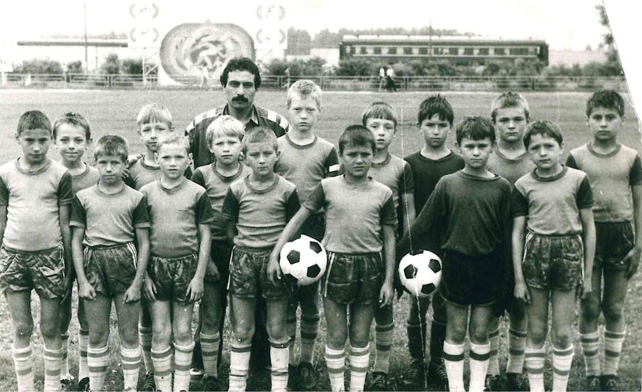 Евгений Варламов (в центре) в детской секции