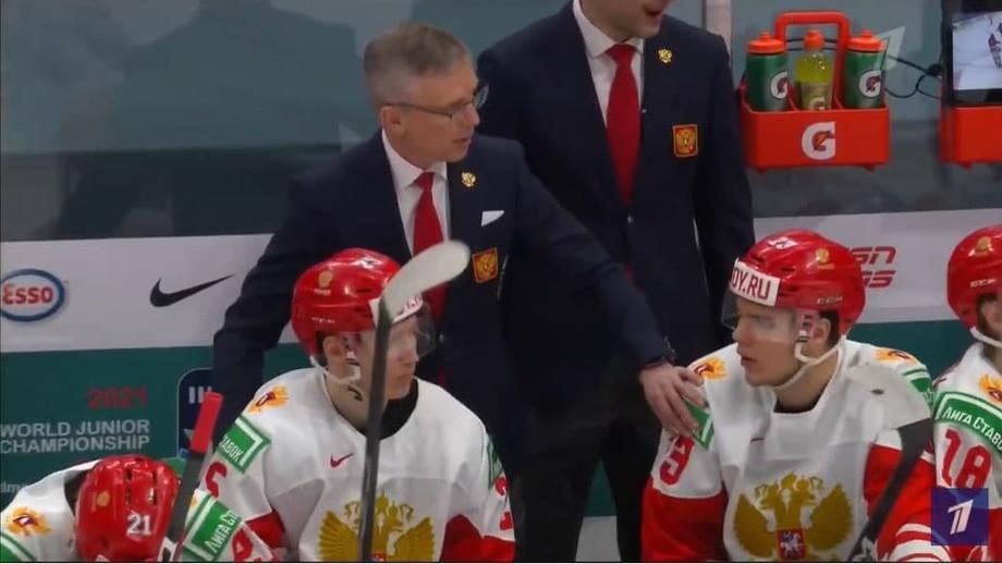 «Давай, мужички, счёт фигня». Что творилось на скамейке сборной России во время матча