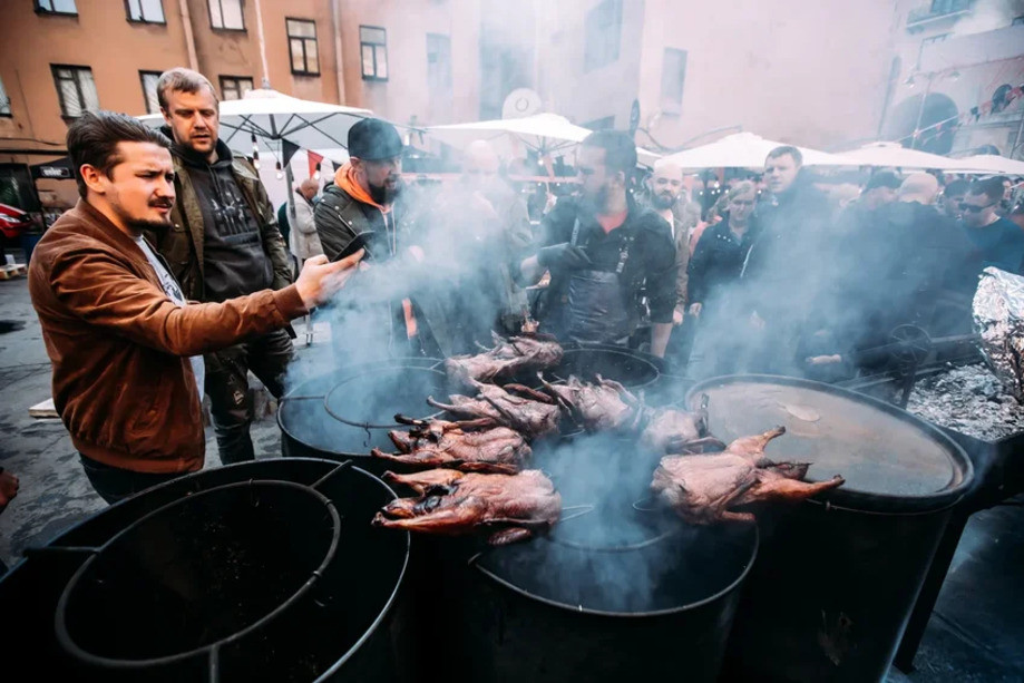 Фестиваль барбекю Smoke Fire
