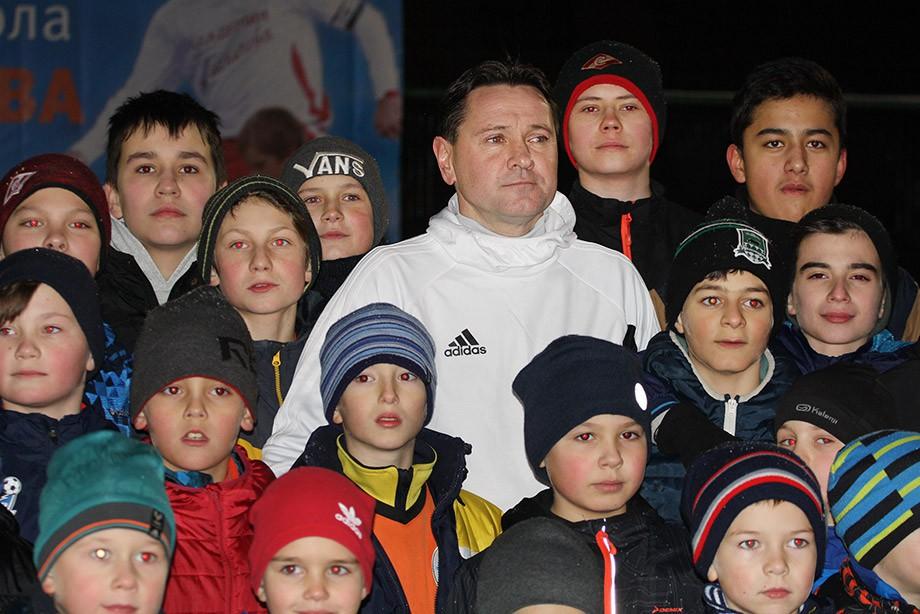 Дмитрий Аленичев и юные футболисты 2001, 2005, 2009, 2011 года рождения
