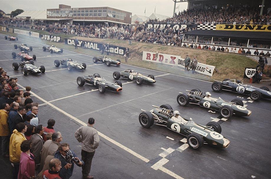 Два «Брэбема» на старте Гран-при Великобритании — 1966