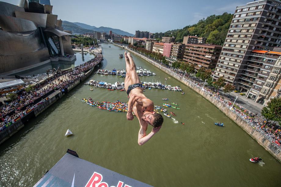 Как прошёл финальный этап мировой серии Red Bull Cliff Diving 2019