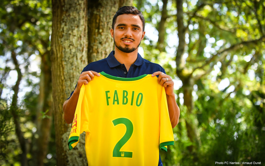 Экс-защитник «Манчестер Юнайтед» Фабио перешёл в «Нант»