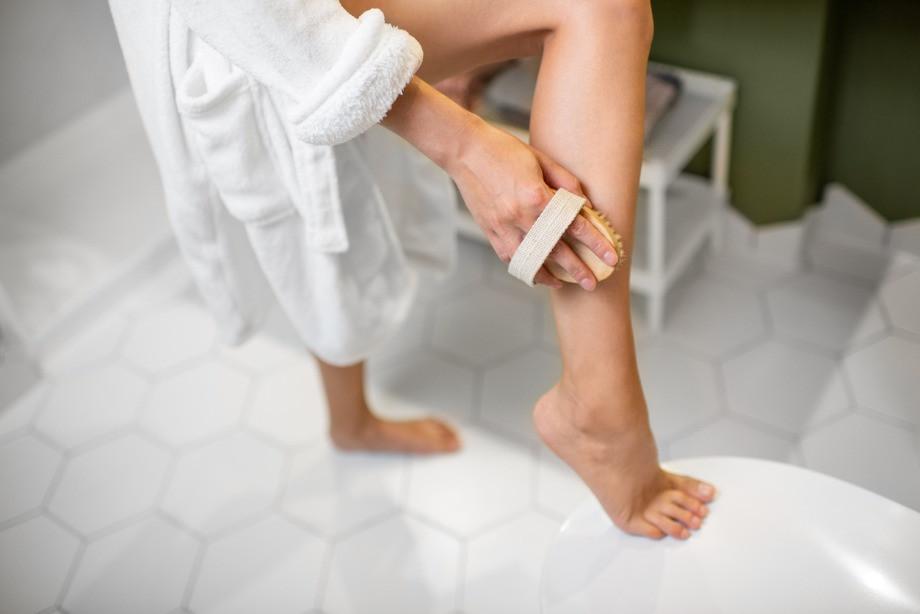 Чем полезен массаж сухой щёткой? Как правильно делать массаж сухой щёткой? Личный опыт блогера