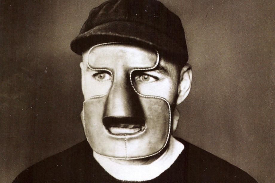 Над ним смеялись и называли его трусом. Жак Плант – человек, изменивший облик хоккея