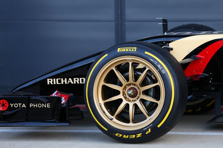 Почему в Формуле-1 унылые гонки с одним пит-стопом? Нам объяснили