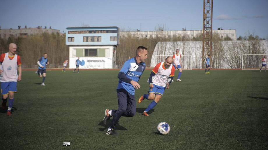 Андрей Тихонов сыграл в футбол за Полярным кругом