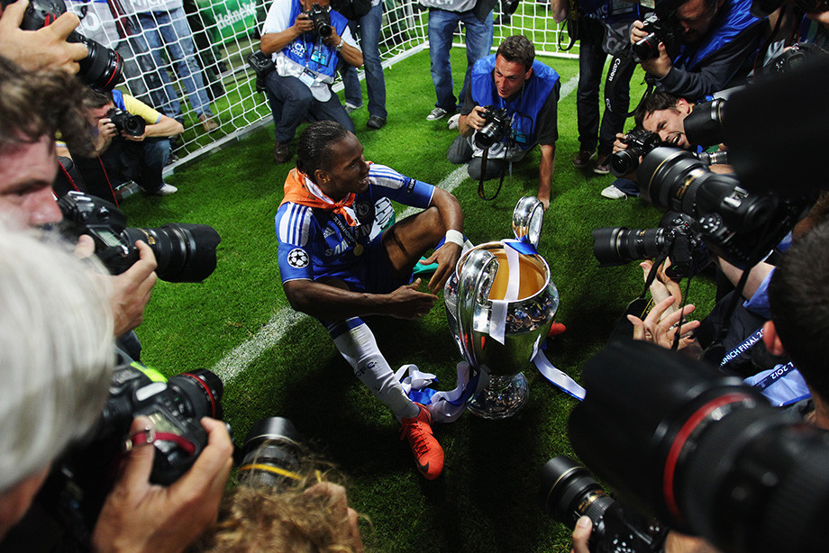 Дидье Дрогба после победы в финале Лиги чемпионов над «Баварией». На следующий день он покинул «Челси».