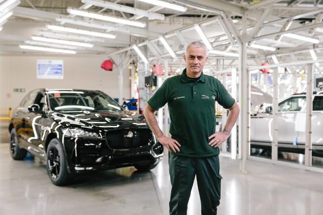 Моуринью посетил завод Jaguar Land Rover в Солихалле