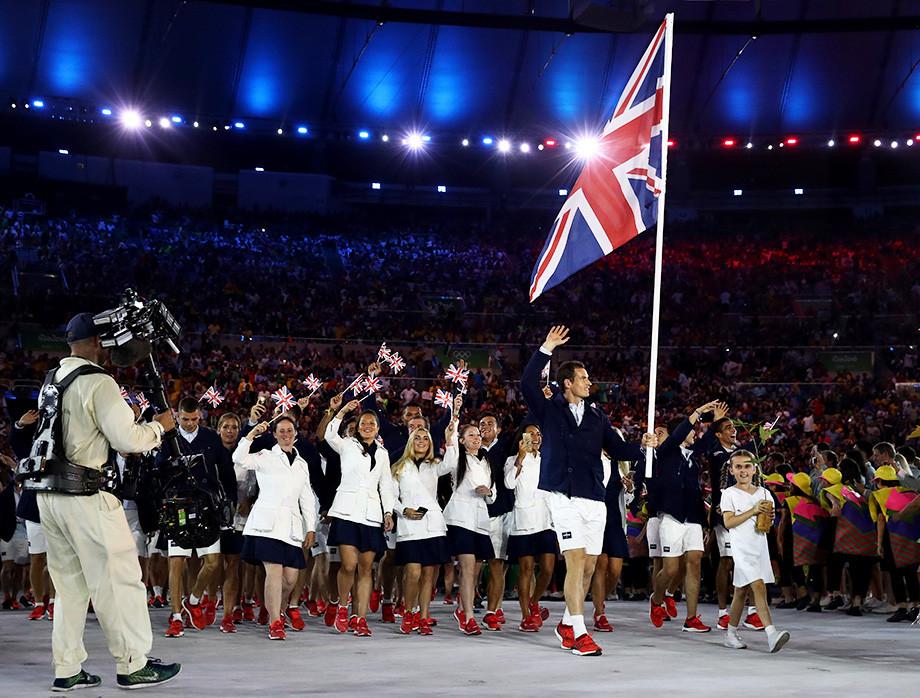 Как выглядели Шарапова, Федерер и другие теннисисты-знаменосцы во время открытия Олимпиад