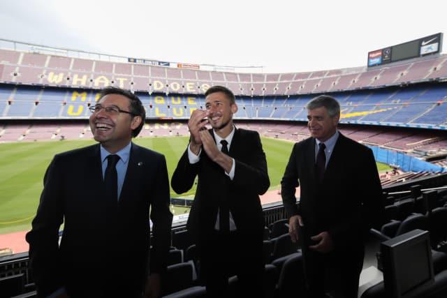 «Барселона» объявила опереходе защитника «Севильи» Лангле за35,9млневро