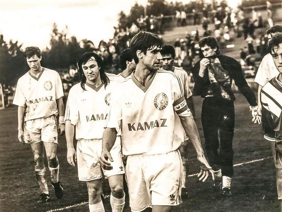 «КАМАЗ» 1990-х. Варламов – крайний слева