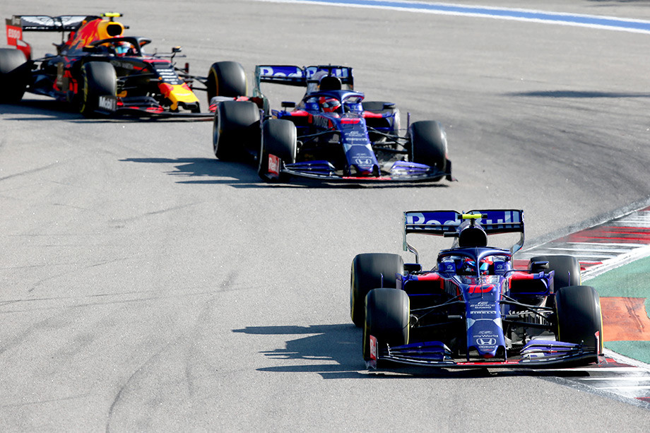 В Toro Rosso объяснили второй пит-стоп Квята