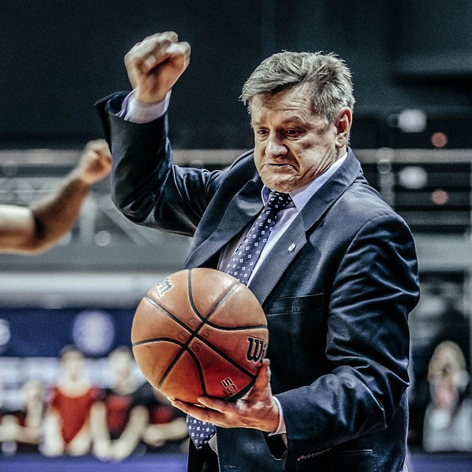 Лазарев и Клименко не промахиваются, Колом спасает матч