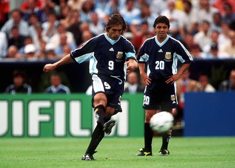 Марсело Гальярдо (справа) и Габриэль Батистута на ЧМ-1998 во Франции
