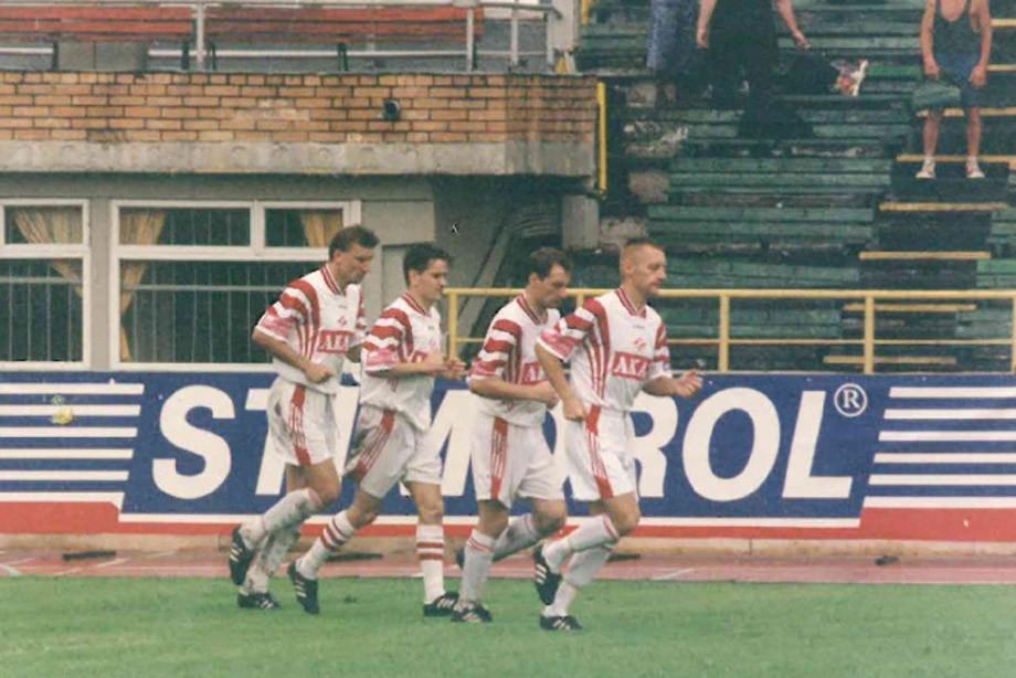 Дмитрий Аленичев (второй слева) и Андрей Тихонов (крайний справа)