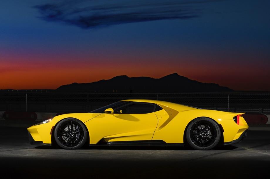 История суперкара Ford GT: победа на «24 часах Ле-Мана», технические характеристики, фото