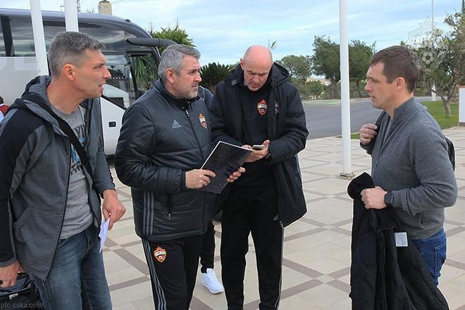 Сергей Якунчиков с тренерским штабом ЦСКА