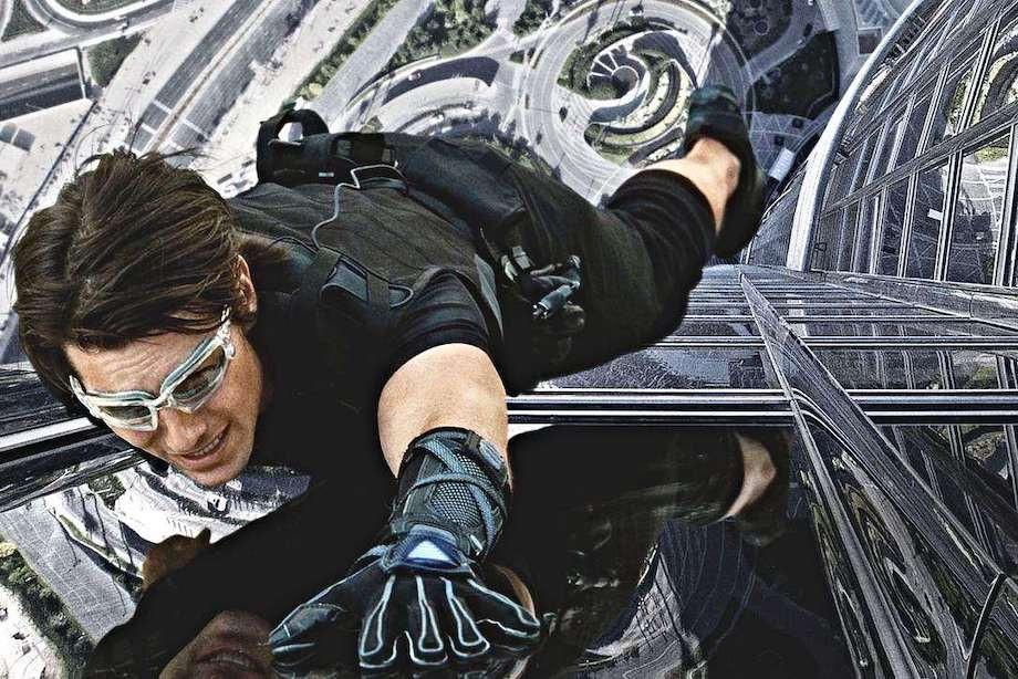 Какие опасные трюки исполняли актёры Голливуда? Том Круз, Анджелина Джоли, Дэниел Крейг