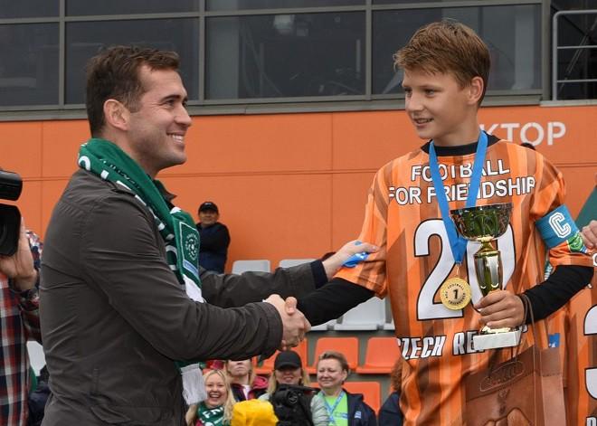 Дети из 64 стран сыграли в «Футбол для дружбы»