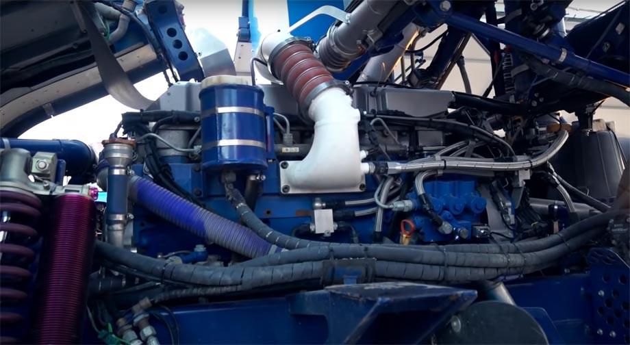Двигатель грузовика Сотникова