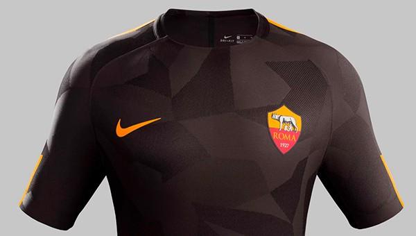 «Рома» представила третий комплект формы на сезон-2017/18