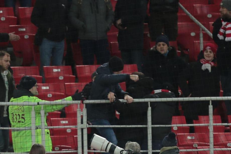 Протест фанатов «Спартака» и «Ростова» против полиции – фото, видео