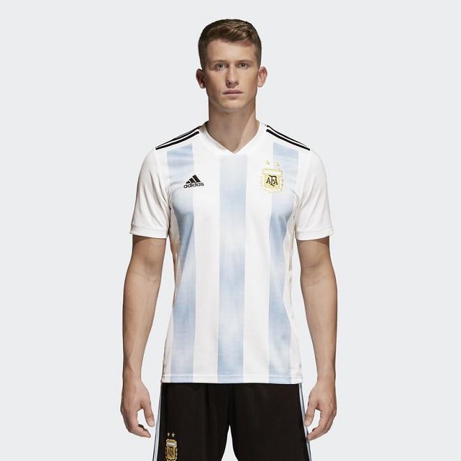 Сборная Аргентины представила форму на чемпионат мира — 2018